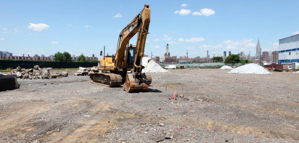 Former CitiStorage Lot Where Bushwick Inlet Park Should Be
